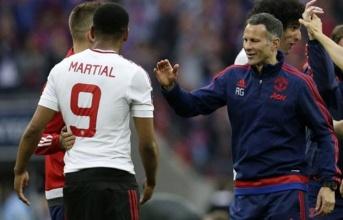 Ryan Giggs 'chỉ điểm' Martial cách tái chiếm vị trí tại Man Utd