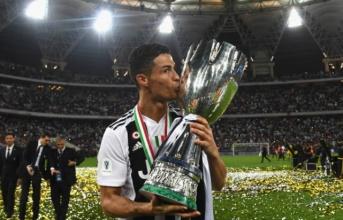 5 điểm nhấn Juventus 1-0 AC Milan: Ronaldo quá son, Higuain quá 'đen'