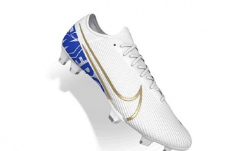CĐV Chelsea xúc động với mẫu giày mới của Hazard