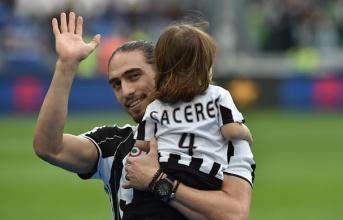 """""""Mối tình"""" Juventus – Martin Caceres: Ai rồi cũng khác"""