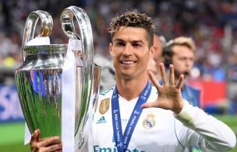 Tiết lộ: Ronaldo thừa nhận sai lầm khi đồng ý rời Real Madrid