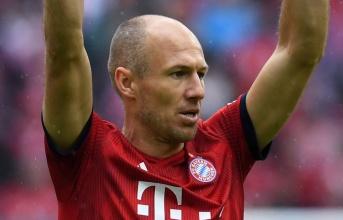 Arjen Robben gia nhập ban huấn luyện của Bayern