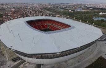 UEFA thay đổi địa điểm tổ chức trận chung kết Champions League?