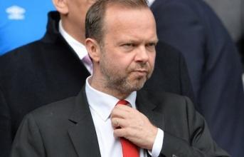 Manchester United: Mua hay là chết?