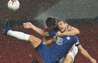 Cựu trọng tài Premier League: 'Rõ ràng Chelsea phải được hưởng penalty'
