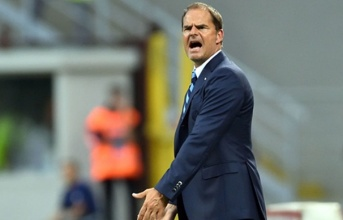 Inter khởi đầu bết bát: Hãy kiên nhẫn với Frank de Boer