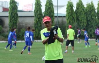 HLV Mai Đức Chung nói gì về vấn đề tìm đối thủ đá tập cho ĐT nữ Việt Nam?