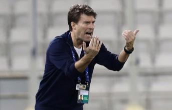 Cựu sao Barca bác bỏ thông tin dẫn dắt Real