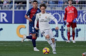 Quả bóng vàng là vinh quang, nhưng cũng là 'tại họa' với Modric