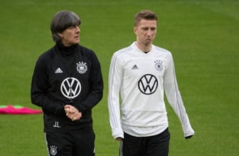 Nhìn biểu cảm này của Reus, Đức tất có cách đánh bại Hà Lan