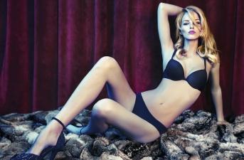 Eliana Cartella: Ả đào lẳng lơ cặp kè với cả hai anh em Balotelli