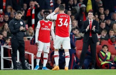 Vì Manchester United, Arsenal sẽ ra quyết định với tương lai của Emery