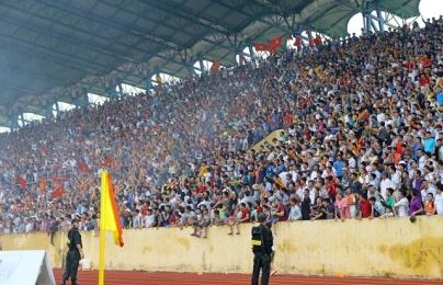 5 điểm nhấn vòng 1 V-League 2018: Khán giả và pháo sáng