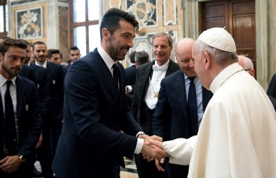 Juventus và Lazio diện kiến Đức giáo hoàng Phanxicô trước thềm chung kết