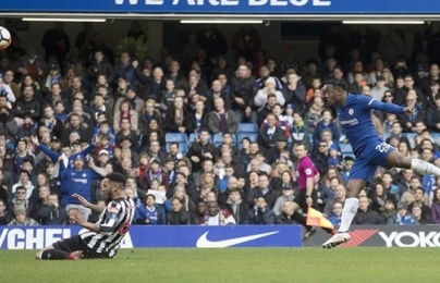 Chấm điểm Chelsea: Batshuayi khiến Conte tạm an lòng