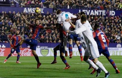 Nhận đòn đau phút 89, Real Madrid ôm hận trước Levante