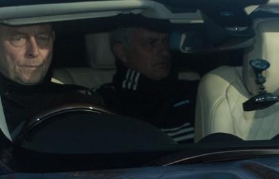 Jose Mourinho và Paul Pogba đầy tâm trạng hậu đại chiến