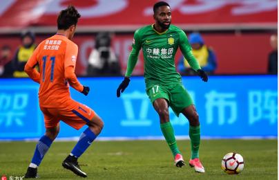 Vung tiền qua cửa sổ, CLB Trung Quốc vẫn thi đấu bạc nhược
