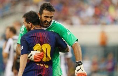 Đội hình kết hợp Italia - Argentina: Mỗi bên nửa sân