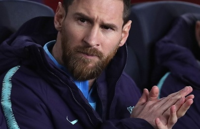 Messi dự bị, Barcelona hút chết trên sân nhà