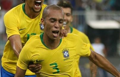Sao Brazil đăng tải thông điệp xúc động trước thềm Copa America