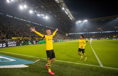 Tiếp tục ghi bàn, Haaland đi vào lịch sử Bundesliga