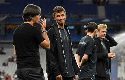 """Biến mới trên tuyển Đức, Muller """"đấu khẩu"""" với Low"""