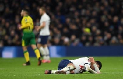 """Mourinho: """"2 cầu thủ Tottenham bảo tôi thay ra khỏi sân ngay lập tức"""""""