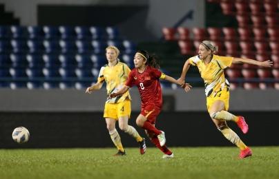 Huỳnh Như ghi bàn lịch sử trước Australia, tuyệt vời những cô gái vàng Việt Nam!
