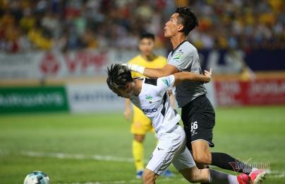 HAGL thua trắng Nam Định: Bầu Đức lại khó ăn nói...
