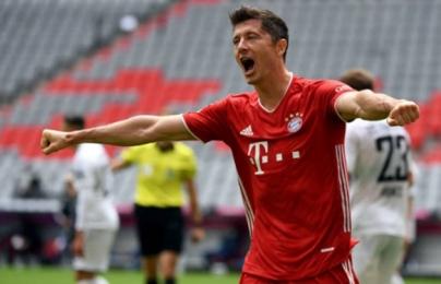 """Lewandowski đáp trả Haaland bằng """"siêu kỷ lục"""", Bayern nhẹ nhàng vượt ải Freiburg"""
