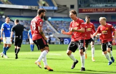 """Van de Beek biểu cảm """"cute"""" trước quả 11m, fan Man Utd phát cuồng"""