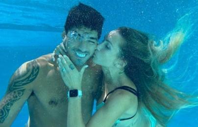 Vợ xinh đẹp lên tiếng sau màn ra mắt hoàn hảo của Suarez cho Atletico