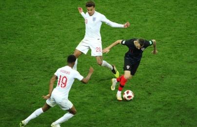 Tuyển Anh thua Croatia vì sự khác biệt giữa Henderson và Brozovic