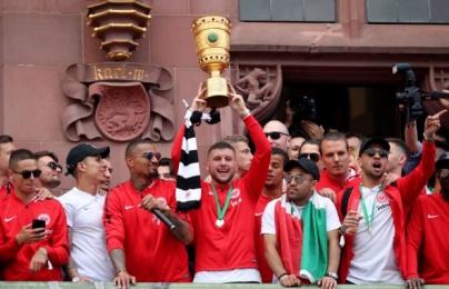 Man Utd mở cuộc đàm phán, quyết mua sao Eintracht Frankfurt
