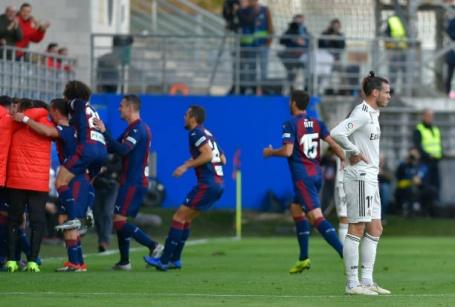 Điểm nhấn Eibar 3-0 Real: Bale thôi mộng thay thế Ronaldo, ám ảnh Lopetegui?