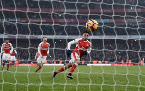 Lửa Sanchez thắp sáng Emirates