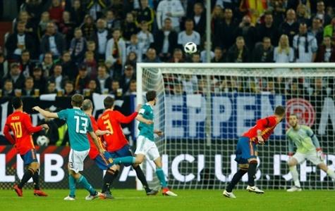 De Gea xuất sắc, Tây Ban Nha vẫn bị cầm hòa bởi siêu phẩm của Muller