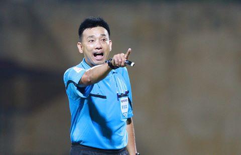 Trọng tài FIFA VN cầm cờ tại Sin