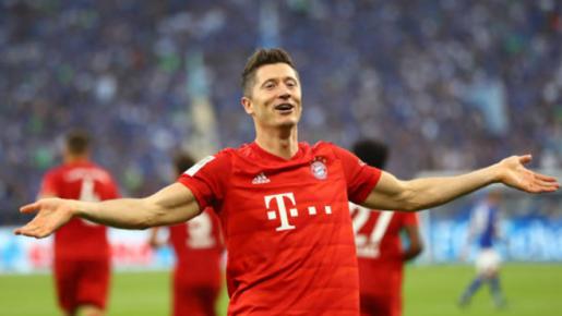 Lewandowski lập hat-trick, Bayern 'vùi dập' Schalke 04 ở vòng 2 Bundesliga