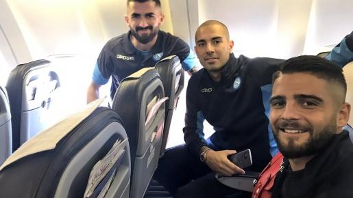 Dàn sao Napoli hành quân đến Manchester