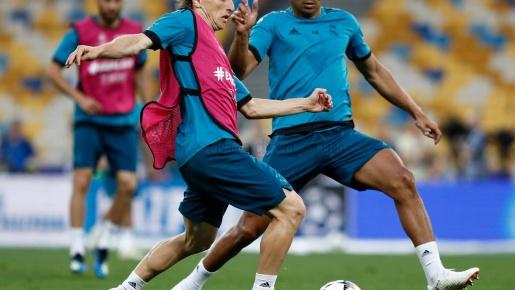 Làm quen sân Olimpiyskiy, Real Madrid sẵn sàng cho trận chung kết