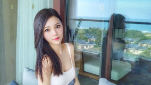 Crystal Lee - Giai nhân châu Á đẹp tuyệt sắc