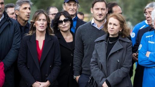 Totti đứng lên đòi công bằng cho phái yếu