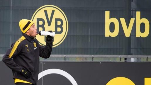 Bị Dortmund cô lập, Aubameyang vẫn tỉnh bơ