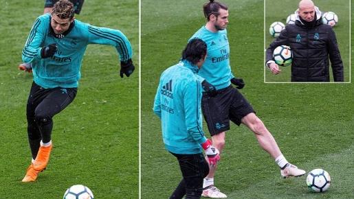Ronaldo khiến đồng đội mệt lả trong cơn mưa tuyết