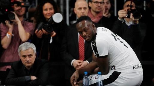 Mourinho dẫn dắt Usain Bolt đánh bại đội bóng của Maradona