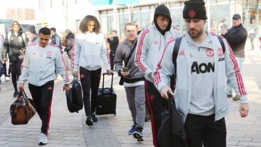 Sao trẻ Man Utd bẽn lẽn cùng đàn anh di chuyển tới London chiến Chelsea