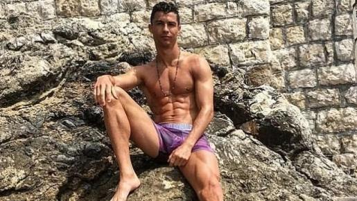 Khoe quần tím hồng, Ronaldo đưa ra 6 mục tiêu chuyển nhượng khủng cho Juve