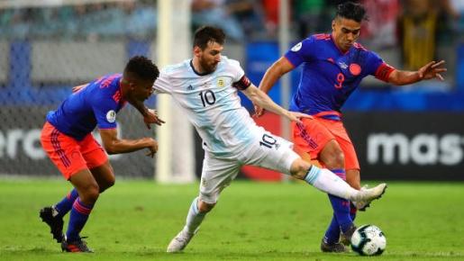 Đừng nói Argentina bế tắc, Messi đã có thể ghi bàn tình huống này
